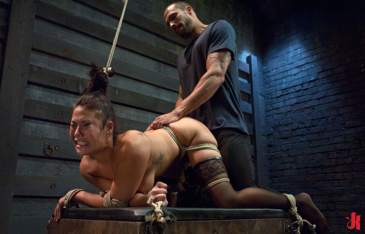 extreme bondage adoos massage